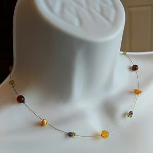 Jewelry - Delicate amber bead necklace